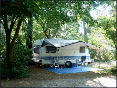 Emplacement au camping du pont